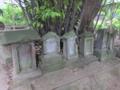 古い石祠群