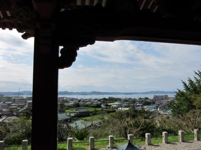 観音堂からの館山の海の眺め