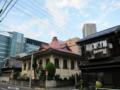 長屋とお寺と高層マンション