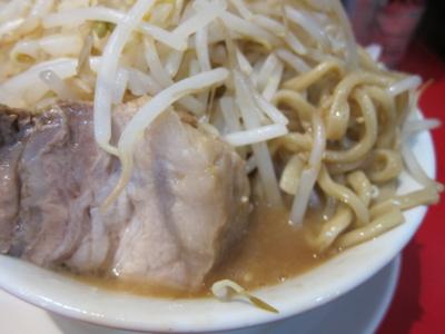 麺とブタとヤサイ