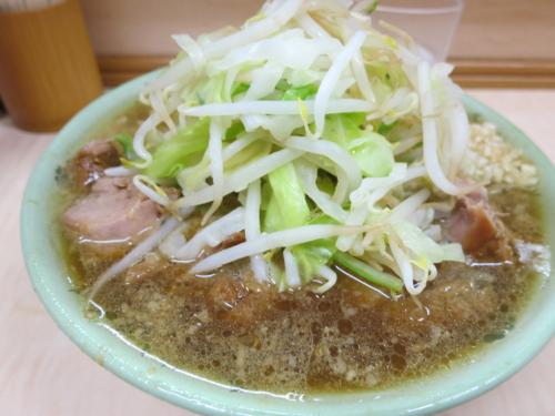 ミニラーメン(550円)+ブタ増し(100円)+ニンニク