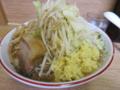 ラーメン(650円)ヤサイ+ショウガ(50円)