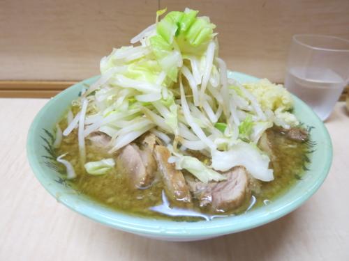 ミニラーメン(550円)+ブタ増し(100円)ニンニク