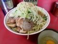 汁なし大盛ラーメン(700円)魚粉・ヤサイ+ブタ入[5枚](100円)+生たまご(5