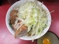 汁なし大盛りラーメン(750円)+ブタ入り(100円)+生たまご(50円)【上】