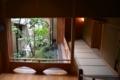 別館四季亭の廊下と中庭