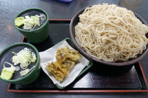 特もり(600円)+舞茸天(100円)