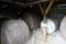 地下室のワイン樽