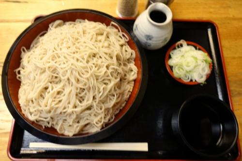 更科蕎麦【特盛り650g】(800円)