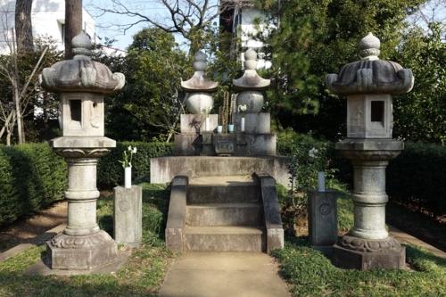 勝海舟夫妻墓所