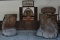 千手堂内の初代大石名残の松