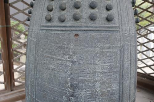 銅鐘の表面