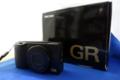 箱と GR II