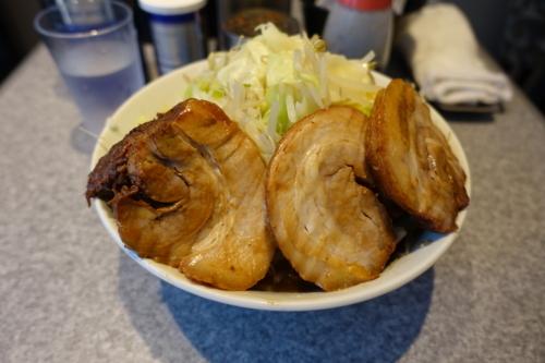 ラーメン中盛【350g】(850円)+豚マシ(200円)+野菜増し・ニンニク抜き