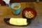 蕎麦茶と蕎麦揚げとおしぼり