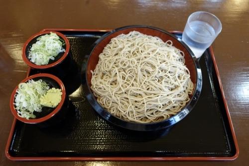 穂のか蕎麦【特盛り600g】(800円)