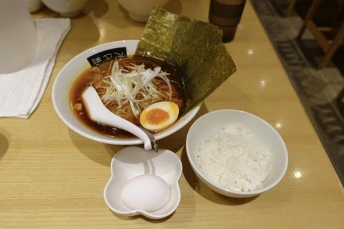 勝浦タンタン麺【大盛】(980円)+ごはん・雑炊たまご無料