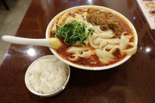 麻辣刀削麺【辛】(750円)+特盛【700g】ライス無料