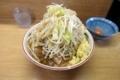 ラーメン豚入り(850円)ヤサイ+ショウガ(50円)