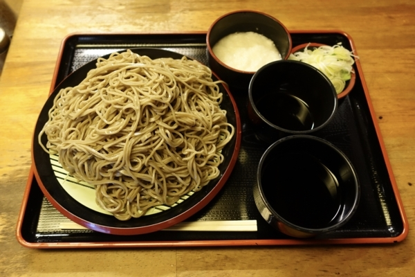 ダッタン蕎麦【大盛550g】(650円)+とろろ(100円)+鯖出汁追加(50円)