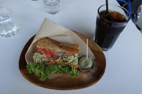 埼玉産ポークバジルサンド【固いパン】(700円)+アイスコーヒー(400円)
