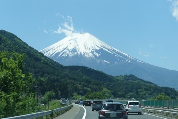 中央道から見えた富士山