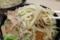 麺を味噌スープに絡める