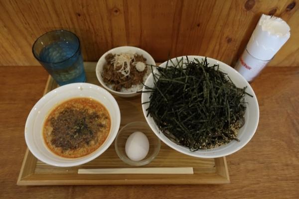 スタミナ坦々冷そば(850円)+大盛(100円)+牛スジごはん(250円)