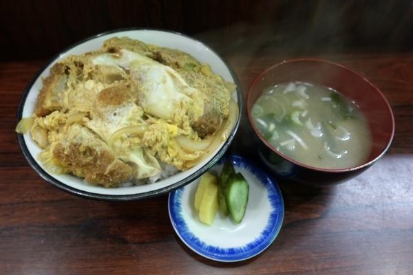 かつ丼(850円)