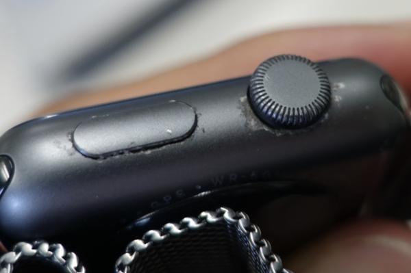 塗装が剥がれたApple Watch