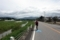 余呉川沿いを走る