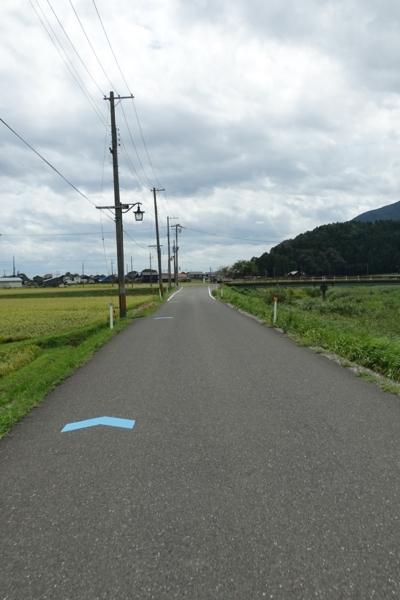 大浦川沿いを南下