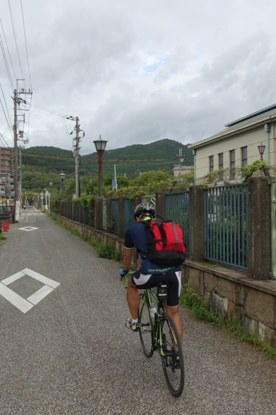 琵琶湖疎水に沿って三井寺へ