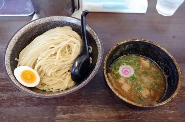 つけ麺(750円)+大盛【400g】(150円)