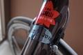 びわ湖一周サイクリング認定ステッカーをチャリに貼る