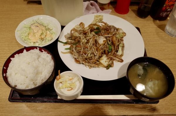 肉野菜定食(500円)+ご飯大盛(0円)