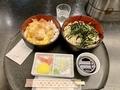 Bランチ・チキンかつ重せいろ【半ざる】(900円)+蕎麦大盛(100円)