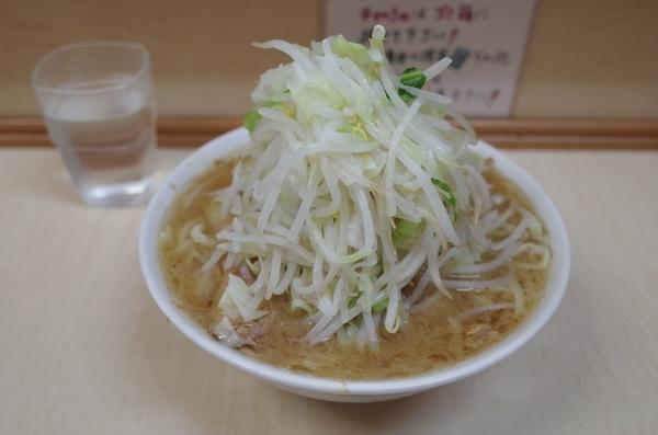 小ラーメン(800円)自動ヤサイ