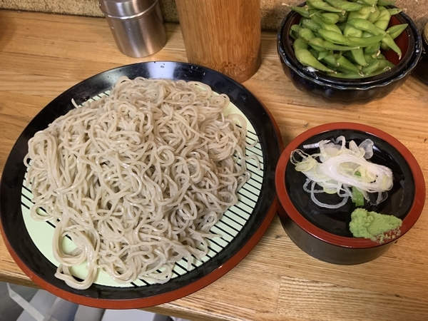 恵み蕎麦【並盛300g】(500円)