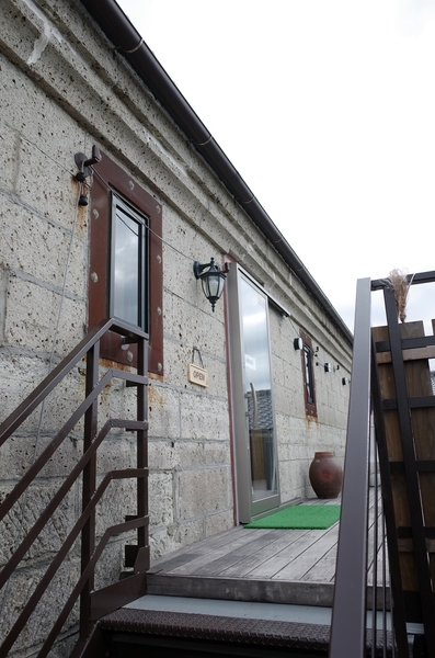二階のカフェ入口