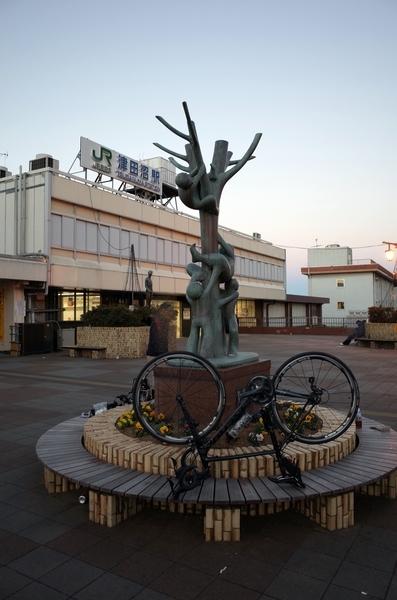 JR津田沼駅でチャリをバラす