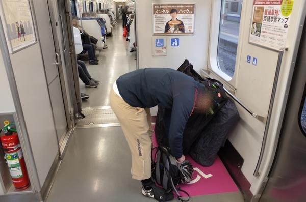 総武横須賀線車内