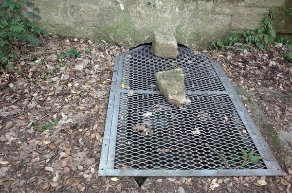 地下の弾薬庫
