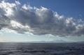 遠くに富士山が見える