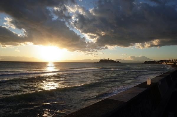 夕陽と富士と江ノ島と