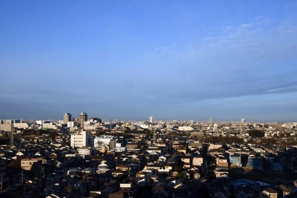 自宅マンション最上階から見た大晦日の街