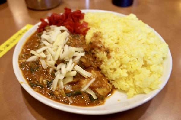 チキンカレー特盛【30倍・超激辛】(850円)+野菜(150円)+チーズ(60円)