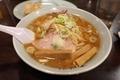醤油ラーメン(750円)+麺大盛り(110円)