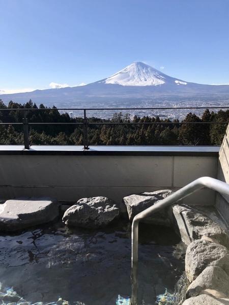 露天風呂から見える富士山