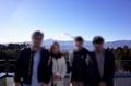 富士山バックの家族写真